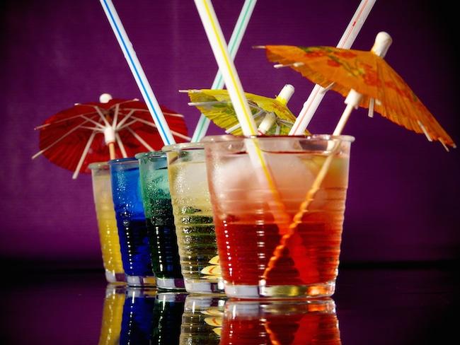 Cocktails_mit_Schirmchen