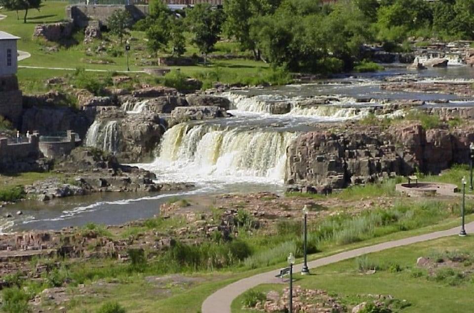 Sioux_Falls-waterfall